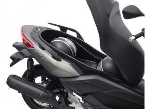 resorte maletero x-max Yamaha